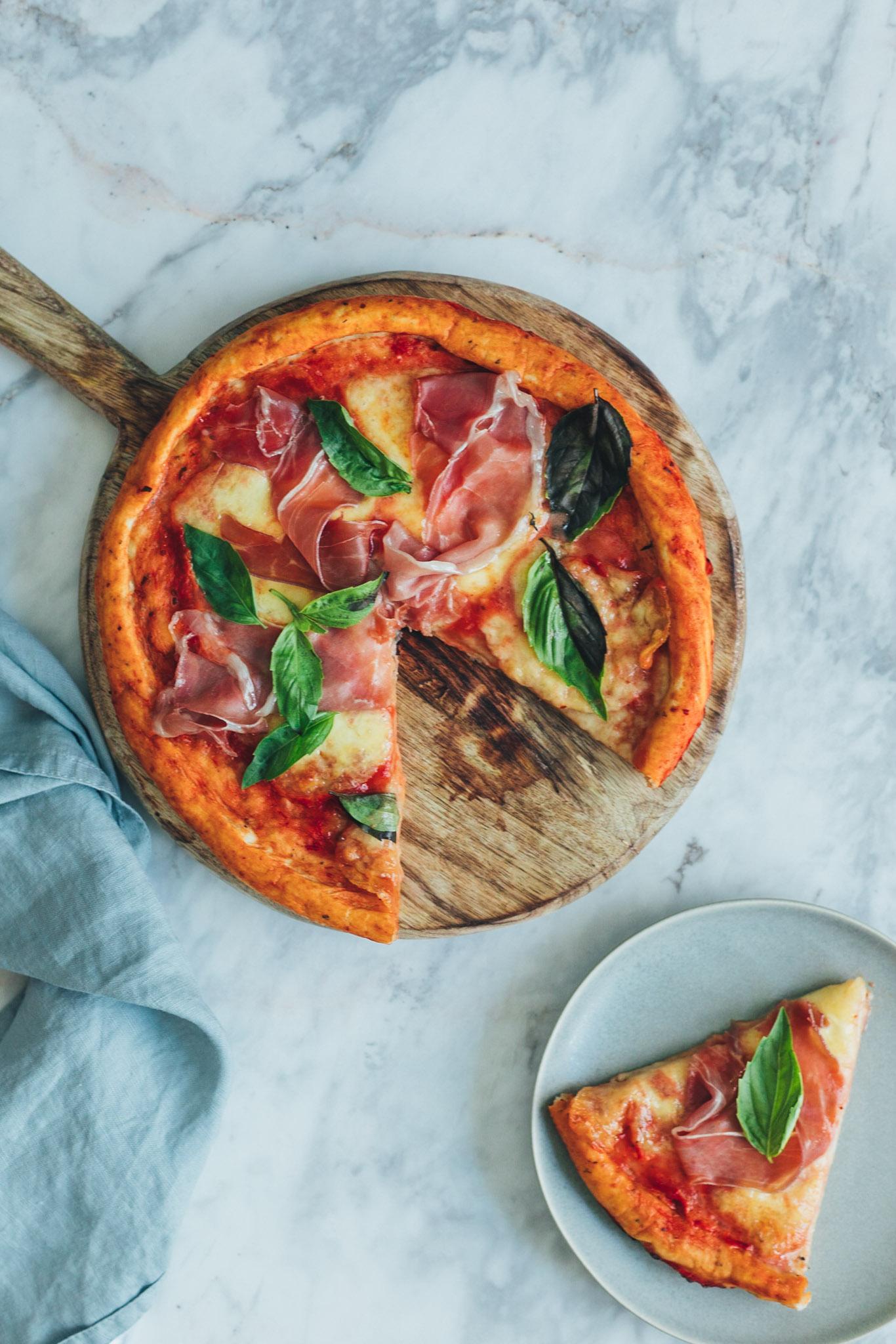 pizza cu mozzarella fresca